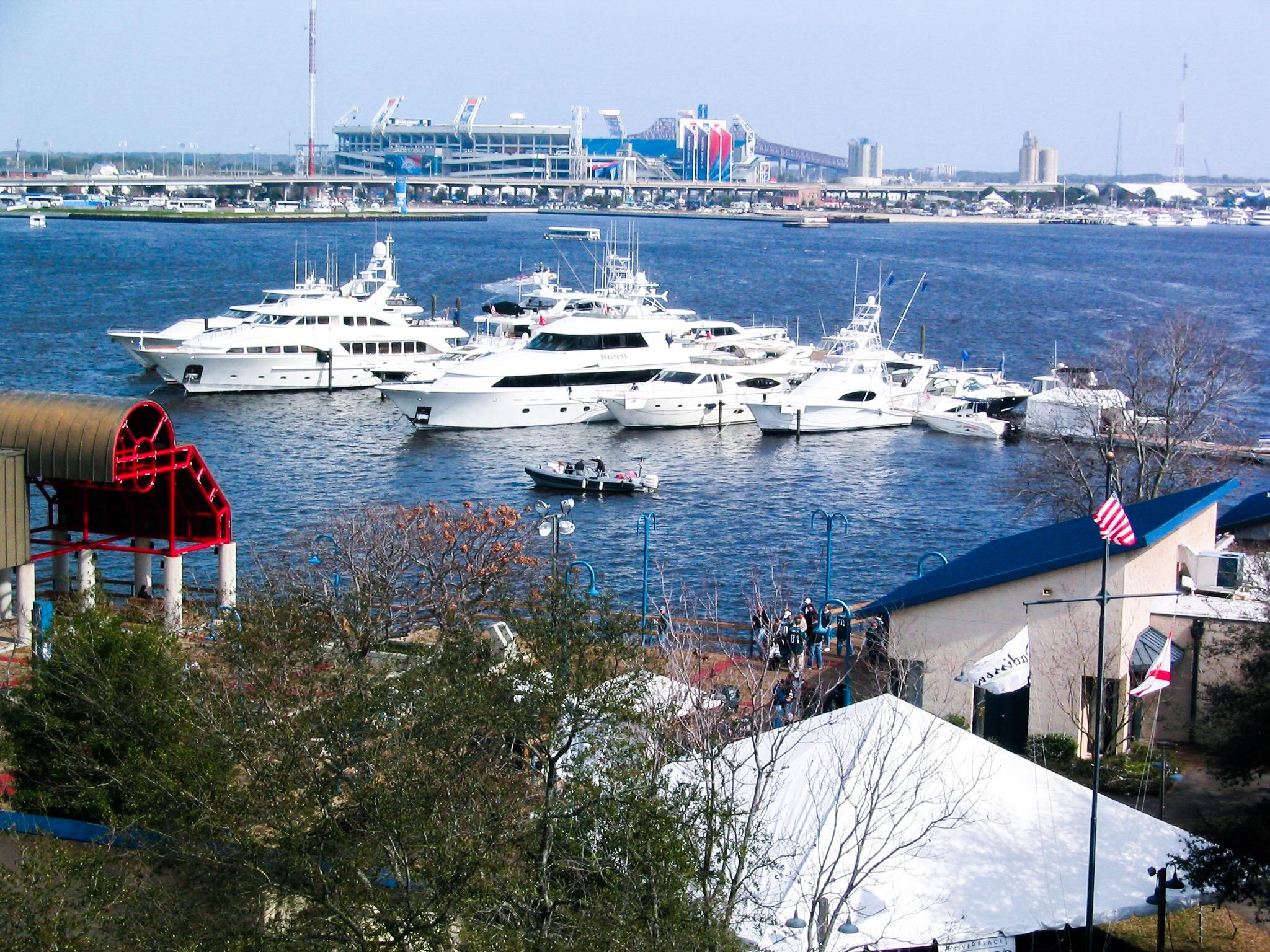 Super Bowl XXXLX - Yachts Docked at Floating Docks - Allsports Productions