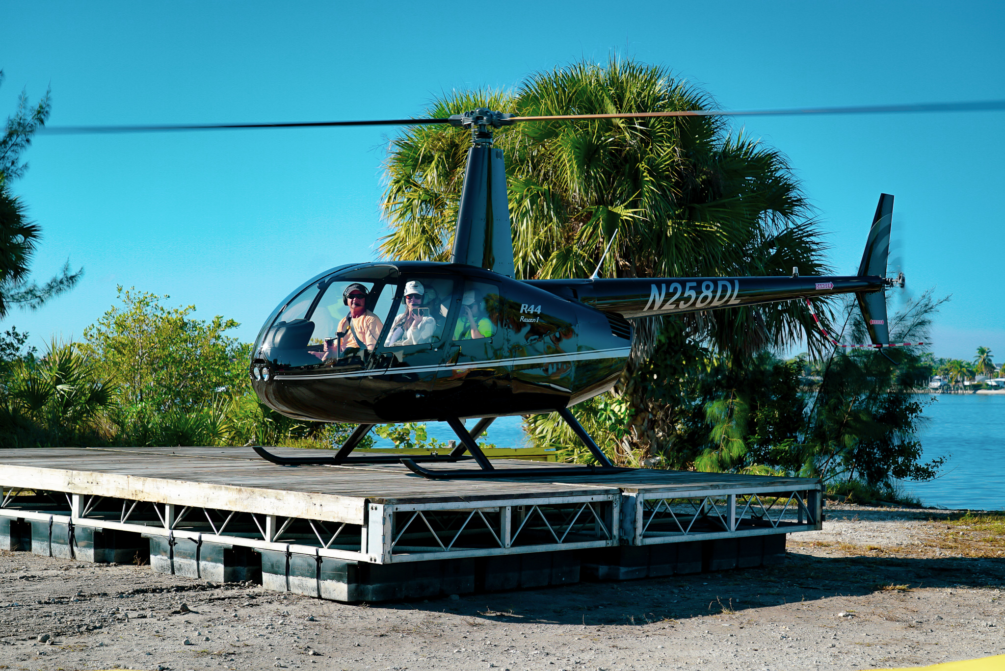Guest arriving to the Stuart Boat Show by Helicopter