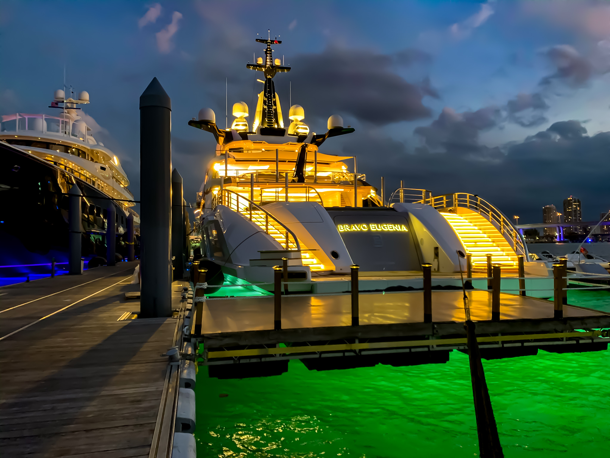 Boarding Platform for Mega-yacht Bravo Eugenia